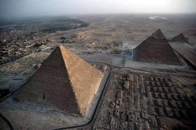 Egiptologia carrera por primera vez previsiblemente en el año 2010